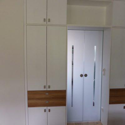 Wohnzimmerschrank 2